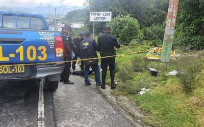 Vecinos encuentran hombre fallecido en la orilla de la carretera ruta Interamericana
