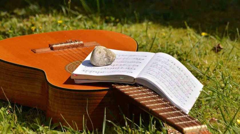 Choosing-Best-Songs-To-Learn-On-Guitar