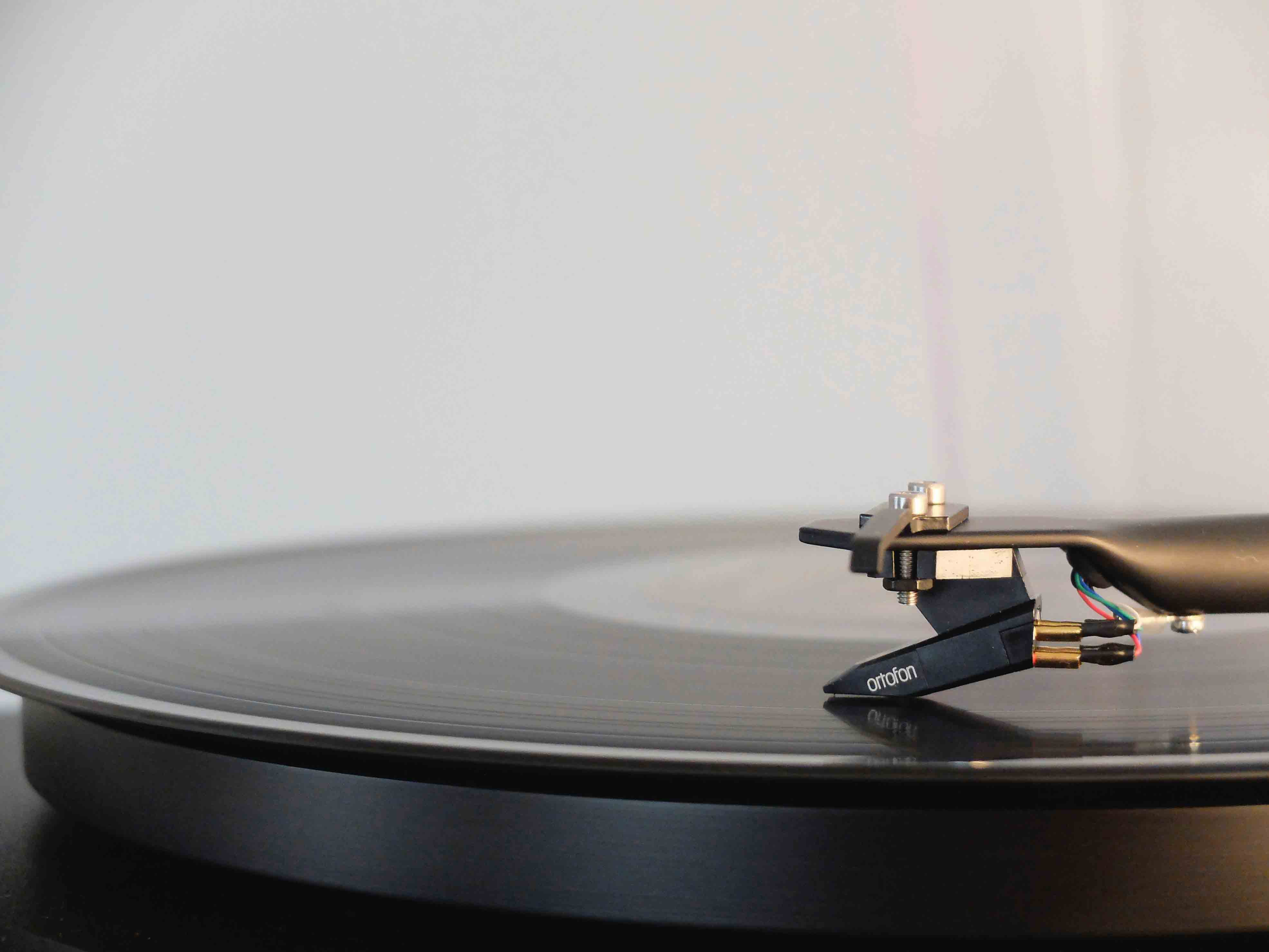 How the Price Range of a Turntable Affects the Quality that You Will Get