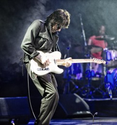 jeff beck releases lyric video for live in the dark  [ 1450 x 965 Pixel ]