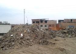 Acumulación de desmonte en Av. Separadora Industrial era madriguera de ratas
