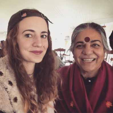 Darby Weaver with Vandana Shiva (photo credit Darby Weaver)