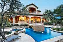 Luxury Homes with Outdoor Pool Living
