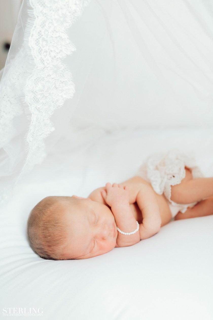Mattie_newborn(i)-150