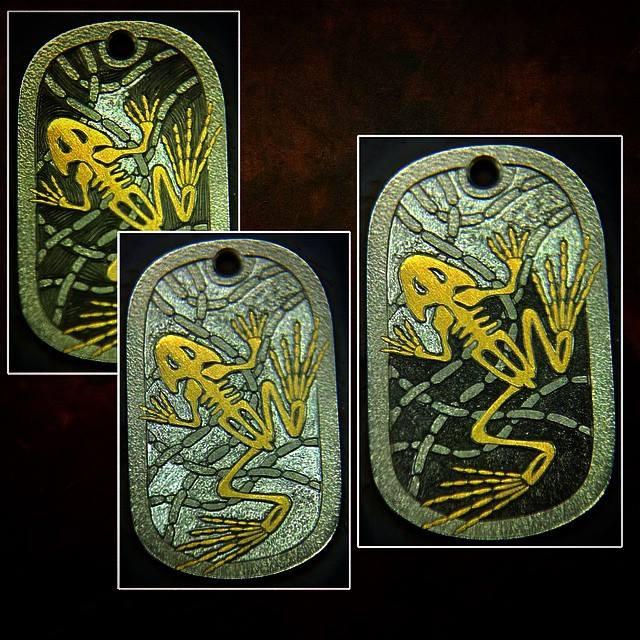 Gold_Frog_Skeleton_Pendant_WR_9
