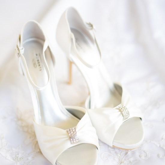 bride shoes, wedding details