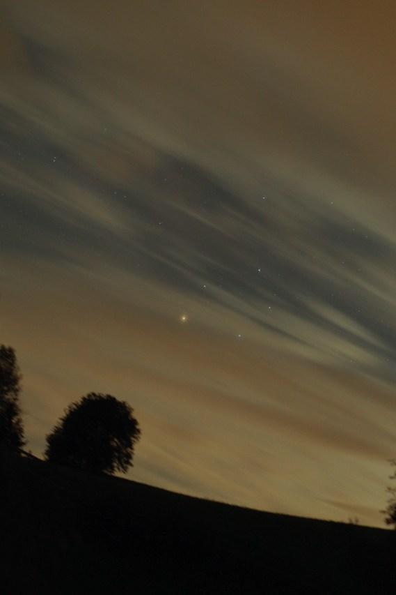 Antares schein durch die Schleierwolken. Sommer 2010