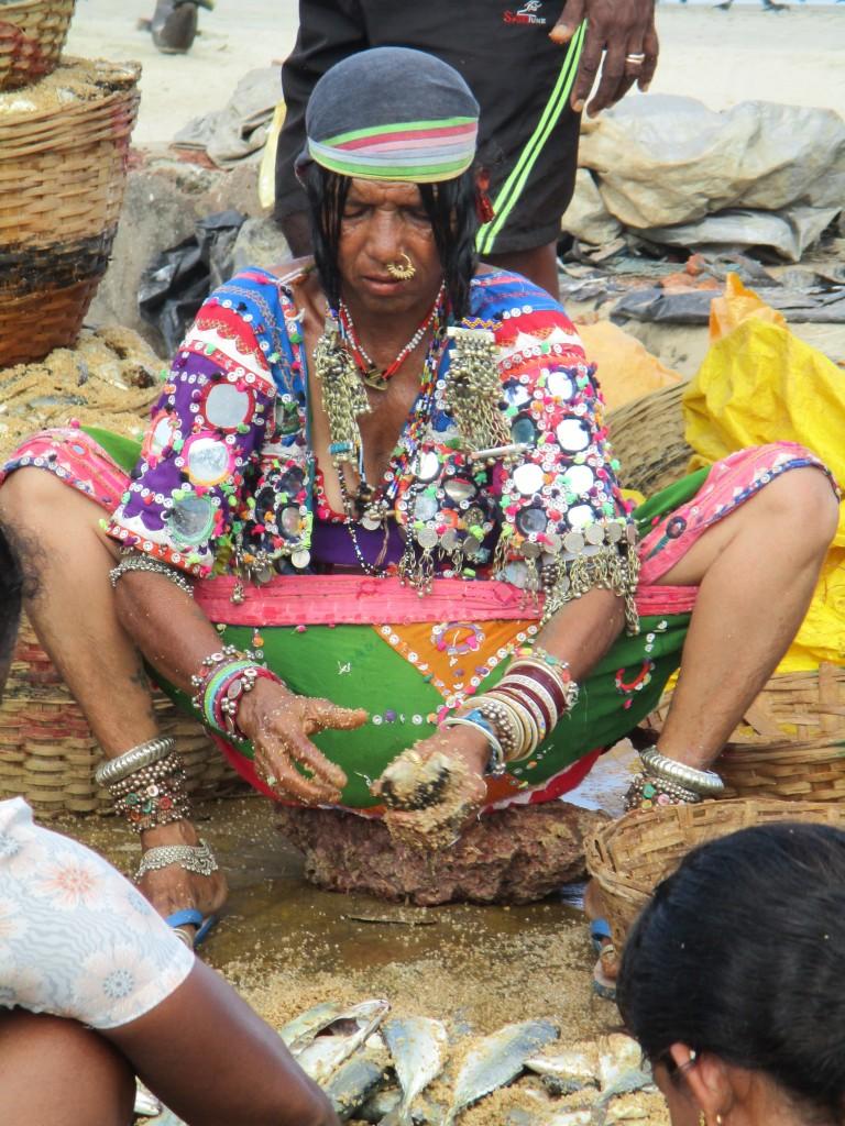 Multi skilled: Henna altitude, jewellery seller, fish stuffer