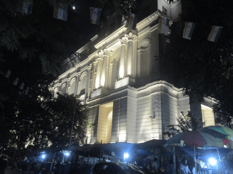 There really is colonial architecture in Kolkata, maybe we will see more of it next time