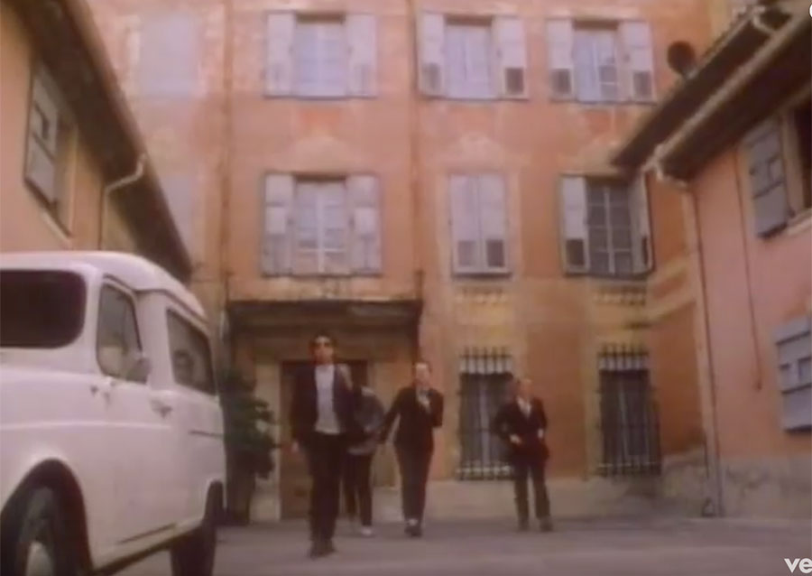 Steve and Carole in Vence - Elvis Costello & The Attractions - I Can't Stand Up For Falling Down - Ancien Hôpital Vence