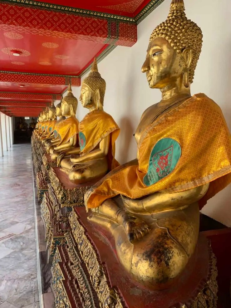 Gilded Buddhas with Ayuthaya or Sukhothai features