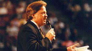 steve-hill-preaching