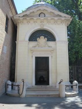 Ravenna: Dante's tomb.