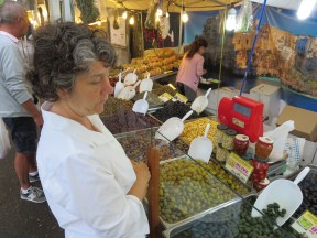 Levanto: Ah, the market!