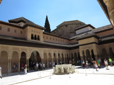 Granada: La Alhambra. The court of Lions.