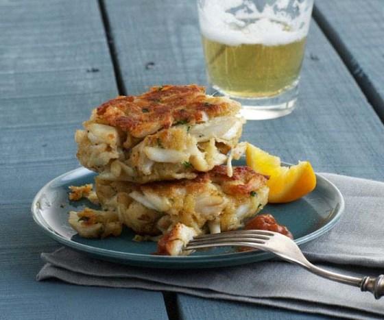 051099070-01-classic-crab-cake-recipe2_xlg