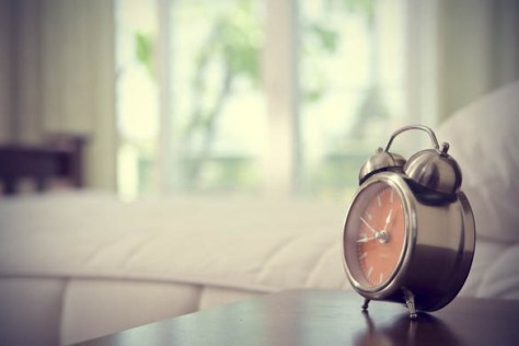 Surefire-Ways-to-Make-Yourself-Wake-Up-Early-Every-Day-Alarm-clock