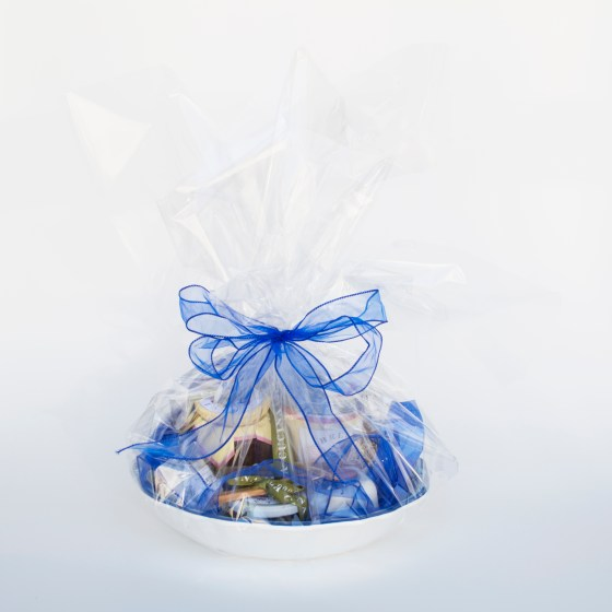 blue, pizza, salad, salt, gift, basket, kitchen, food