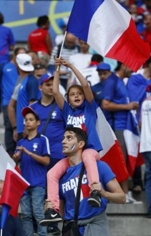 Football Soccer - France v Albania - EURO 2016 - Group A - Stade Vélodrome, Marseille, France - 15/6/16 France fans before the match REUTERS/Eddie Keogh Livepic