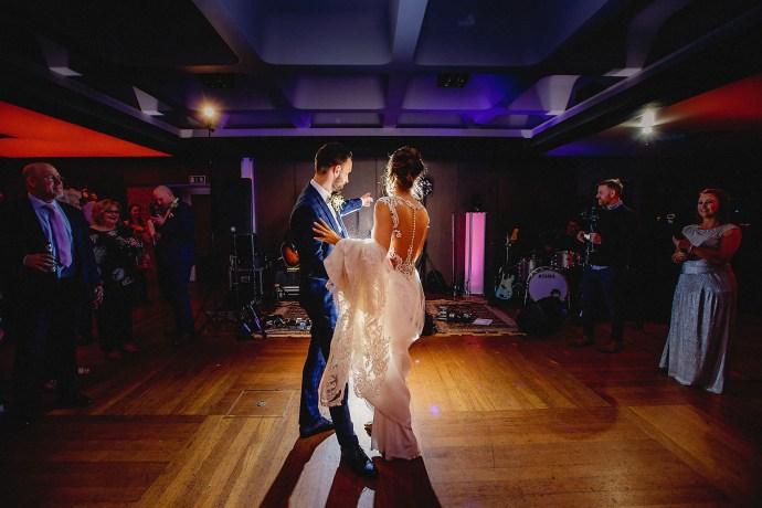 first dance, band, dance floor, confetti cannons