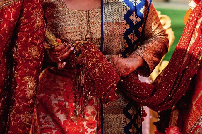 tying the know hindu ceremony, ganesh poojan