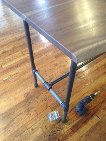 The nice looking steel pipe frame for the standing desk