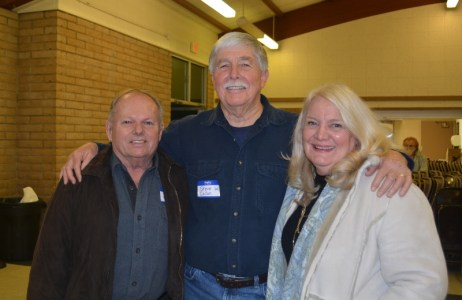 Art and Tami Tharpe visit with author Steven T. Callan at the Orland Alumni Association Awards Dinner.
