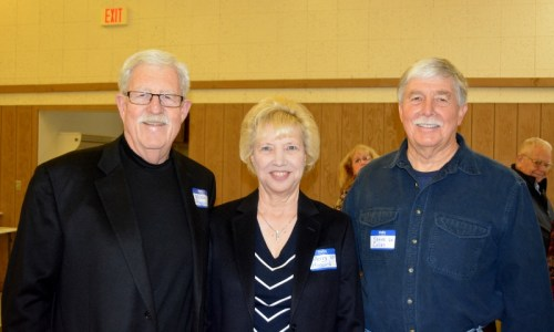 Author Steven T. Callan visits with the Hoggards at the Orland Alumni Association Awards Dinner.