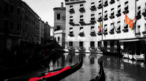 Photo of a Gondola Loading Area and the Hotel Cavalletto Doge e Orsolo. Venice. 21-Apr-00.