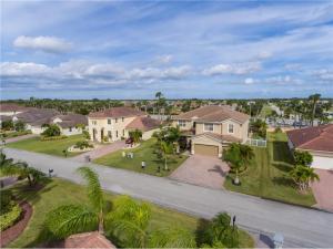 Homes for sale Diamond Lake Vero Beach FL 11L