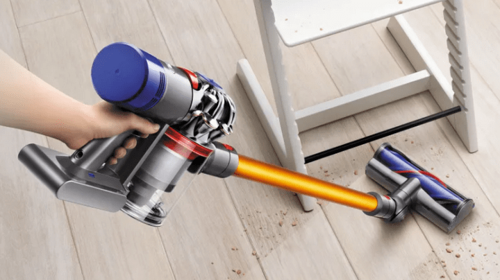 Dyson rechargeable V8 vacuum battery dying and solution. Where to buy a replacement Dyson battery.