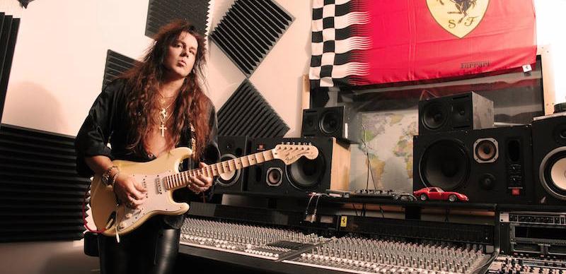 Yngwie Malmsteen Fender guitar review - Fender scalloped fretboard review