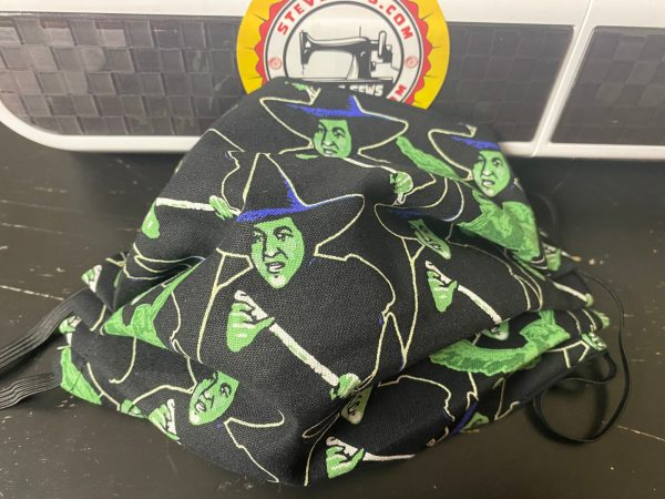 Wicked Witch of The West Face Mask - this face mask features the Wicked Witch of the West from the Wizard of Oz. #WickedWitch #Witch