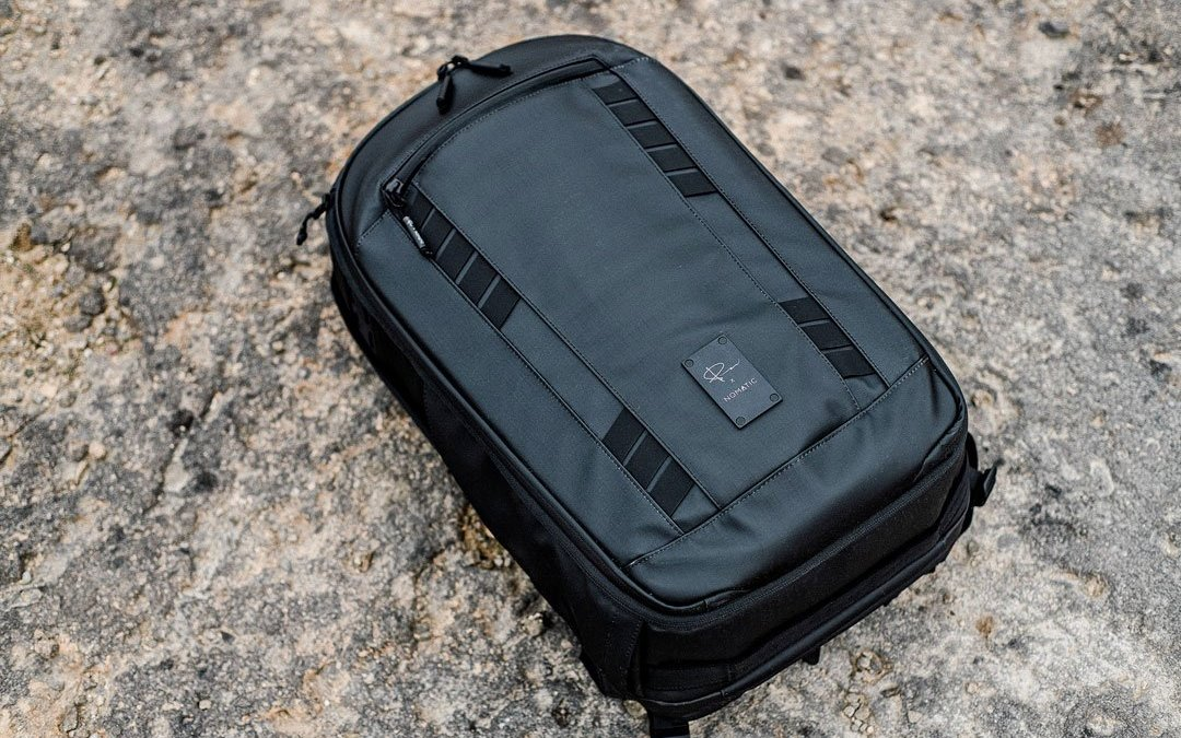 PRODUCT PHOTOGRAPHY: I got a new bag. Time to show my product photography skills!
