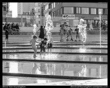 Belgium, Ostend :: Kids playing