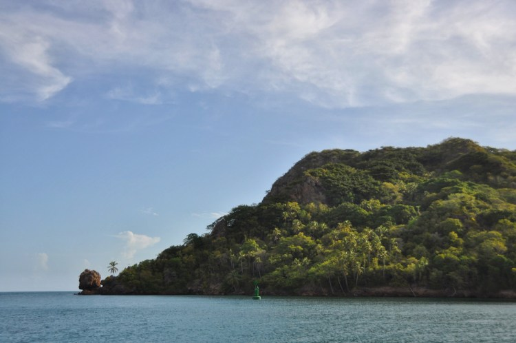 Photo of santa catalina island in providencia with morgans head