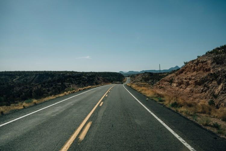 Photo of an Arizona highway.