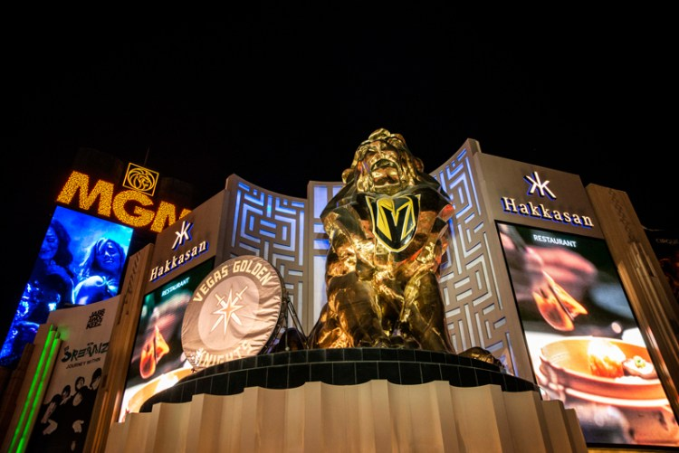 Photo of the MGM Grand Lion wearing the Las Vegas Knights symbol