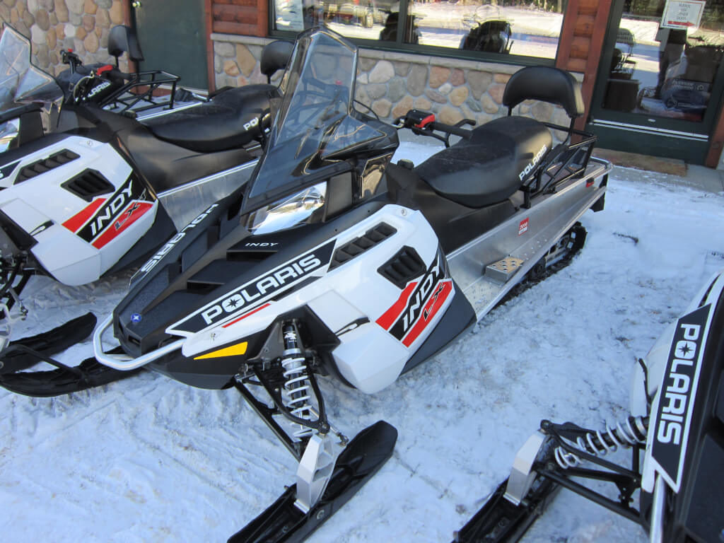 hight resolution of polaris snowmobile
