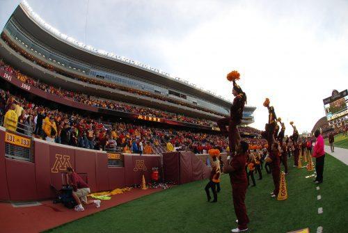 Minnesota Gophers cheerleaders