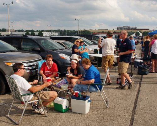 Milwaukee Brewers tailgating in Yount lot