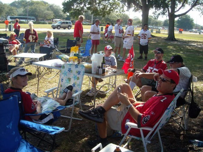 fans on tailgate lot at Tampa Bay Buccaneers game