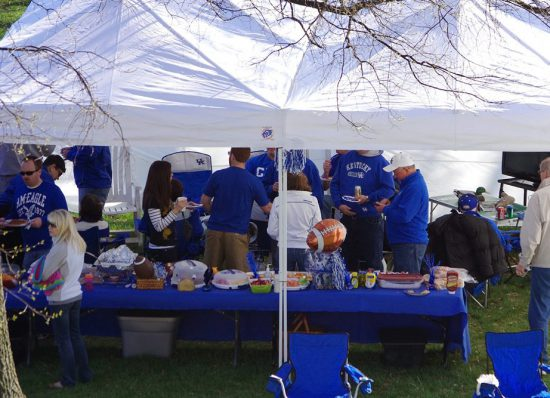 Kentucky Wildcats football fans tailgating