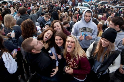 WMU Students Tailgate