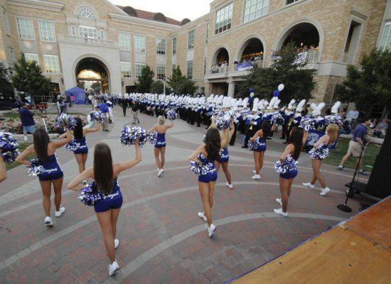 TCU Horned Frogs cheerleaders performance