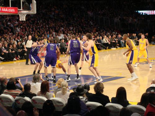 Sacramento Kings vs Los Angeles Lakers game