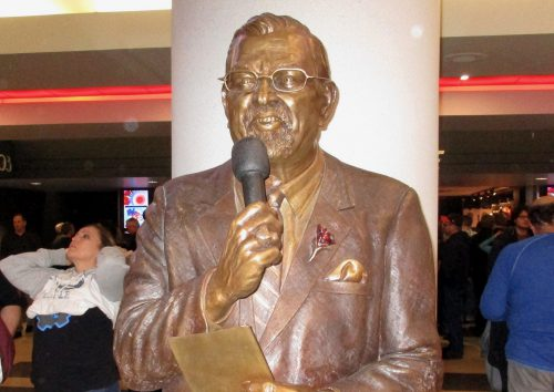 Johnny Kerr Statue United Center