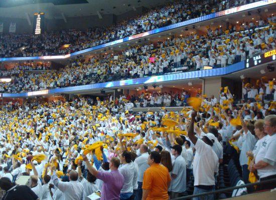 Memphis Grizzlies fans growl towels cheer