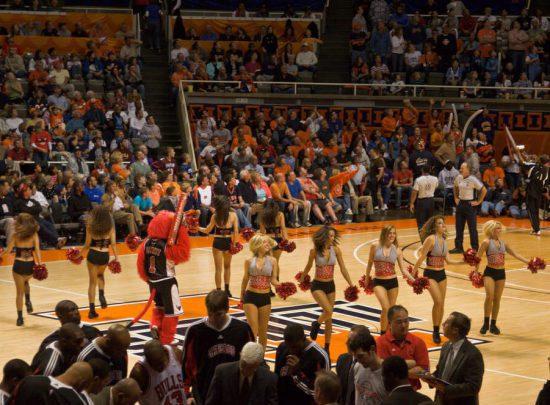 Illiniois Fighting Illini Basketballl cheerleaders
