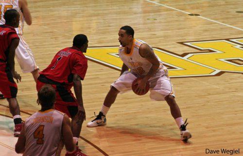 Ball State Cardinals vs Valparaiso Crusaders Basketball game